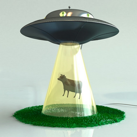 abduction_lamp_cow_lasse_klein1